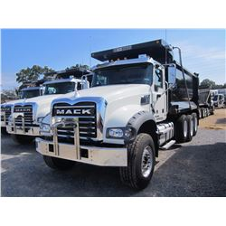 2017 MACK GU713 DUMP, VIN/SN:1M2AX07C6HM036386 - TRI-AXLE, 455HP MACK MP8 DIESEL ENGINE, ALLISON 450
