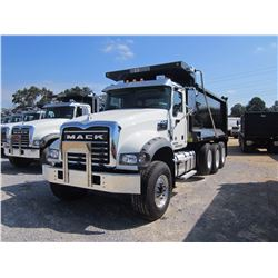 2017 MACK GU713 DUMP, VIN/SN:1M2AX07C7HM036378 - TRI-AXLE, 455HP MACK MP8 DIESEL ENGINE, ALLISON 450