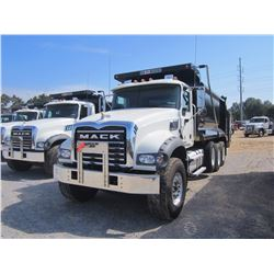 2017 MACK GU713 DUMP, VIN/SN:1M2AX07C1HM034657 - 445HP MACK MP8 DIESEL ENGINE, 10 SPD MACK T310M TRA