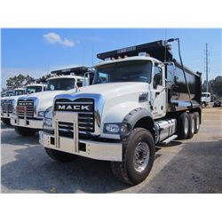 2017 MACK GU713 DUMP, VIN/SN:1M2AX07C3HM034658 - 445HP MACK MP8 DIESEL ENGINE, 10 SPD MACK T310M TRA