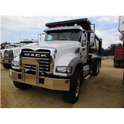 2016 MACK GU713 DUMP, VIN/SN:1M2AX09C0GM025265 - TRI-AXLE, 425 HP MACK MP8 ENG, ALLISON A/T, 44K REA