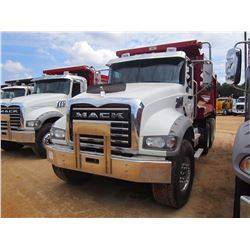 2013 MACK GU713 DUMP, VIN/SN:1M2AX04CXDM016284 - TRI-AXLE, 405 HP MACK MP7 ENGINE, MACK T310M 10 SPD