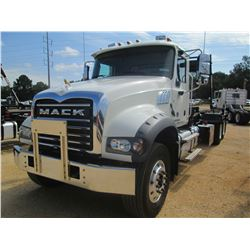 2017 MACK GU713 ROLL OFF, VIN/SN:1M2AX04C0HM034203 - 405 HP MACK MP7 ENG, MACK M DRIVE TRANS, 44K RE