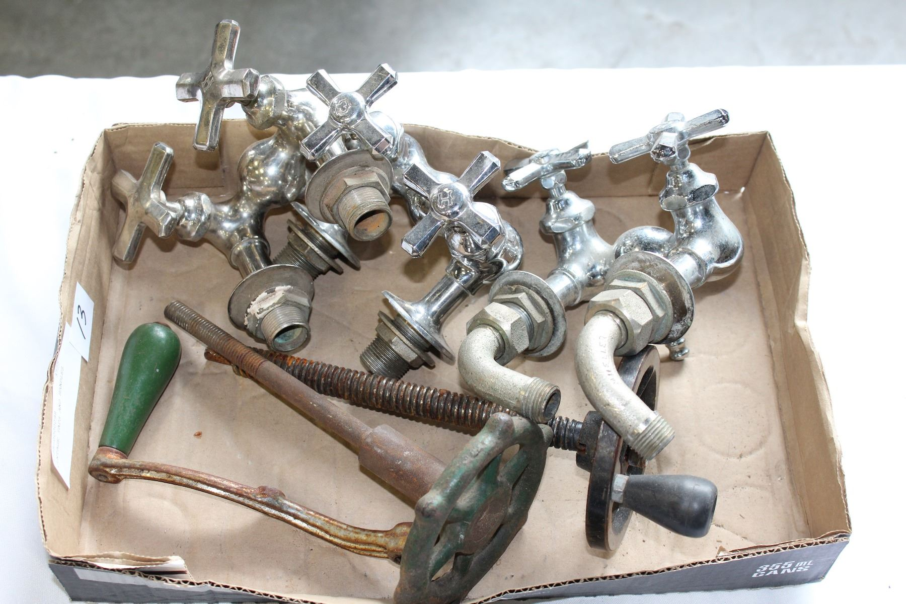 VINTAGE TAPS AND HANDLES - Big Valley Auction