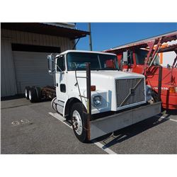 2000 VOLVO WAH64 CAB & CHASSIS TRUCK VIN/SN:4V5PC2UG5YN240197 T/A, 400 HP CUMMINS ISM ENGINE, 10 SPE