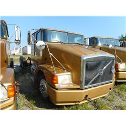 1996 VOLVO WIA CAB & CHASSIS TRUCK VIN/SN:4V5WDBCH8TN712971 T/A, CAT 3406 ENGINE, 10 SPEED TRANS, EN