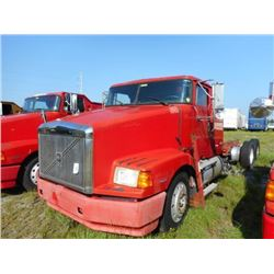 1998 VOLVO WIA64T CAB & CHASSIS TRUCK VIN/SN:4VHWDBGH5WN748621 T/A, 425 HP VOLVO D12 ENGINE, 10 SPEE