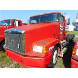 1998 VOLVO WIA64T CAB & CHASSIS TRUCK VIN/SN:4VHWDBGH9WN748573 T/A, 425 HP VOLVO D12 ENGINE, 10 SPEE