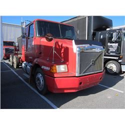 1998 VOLVO WIA64T CAB & CHASSIS TRUCK VIN/SN:4VHWDBGH7WN748619 T/A, 425 HP VOLVO D12 ENGINE, 10 SPEE