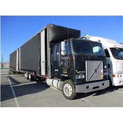 1996 VOLVO WHL64T CAR CARRIER TRUCK VIN/SN:4V5GDDJH4TR723980 T/A, CUMMINS N14-435E ENGINE, 10 SPEED