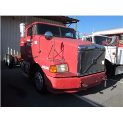 1998 VOLVO WIA64T CAB & CHASSIS TRUCK VIN/SN:4VHWDBGH6WN748594 T/A, 425 HP VOLVO D12 ENGINE, 10 SPEE