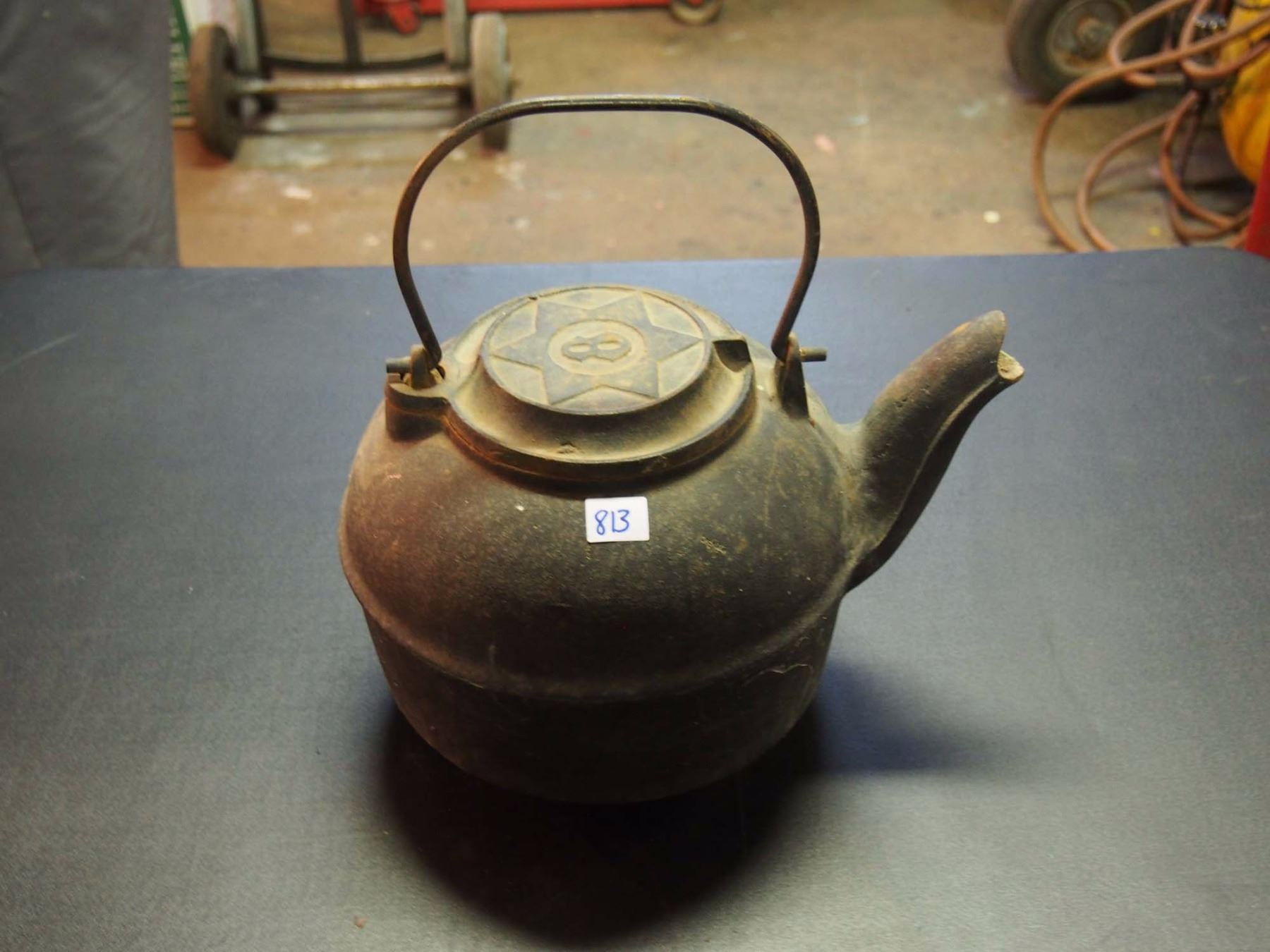 image 1 cast iron kettle 5 star number 8 on top