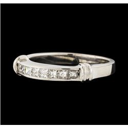 0.65 ctw Diamond Ring - 14KT White Gold