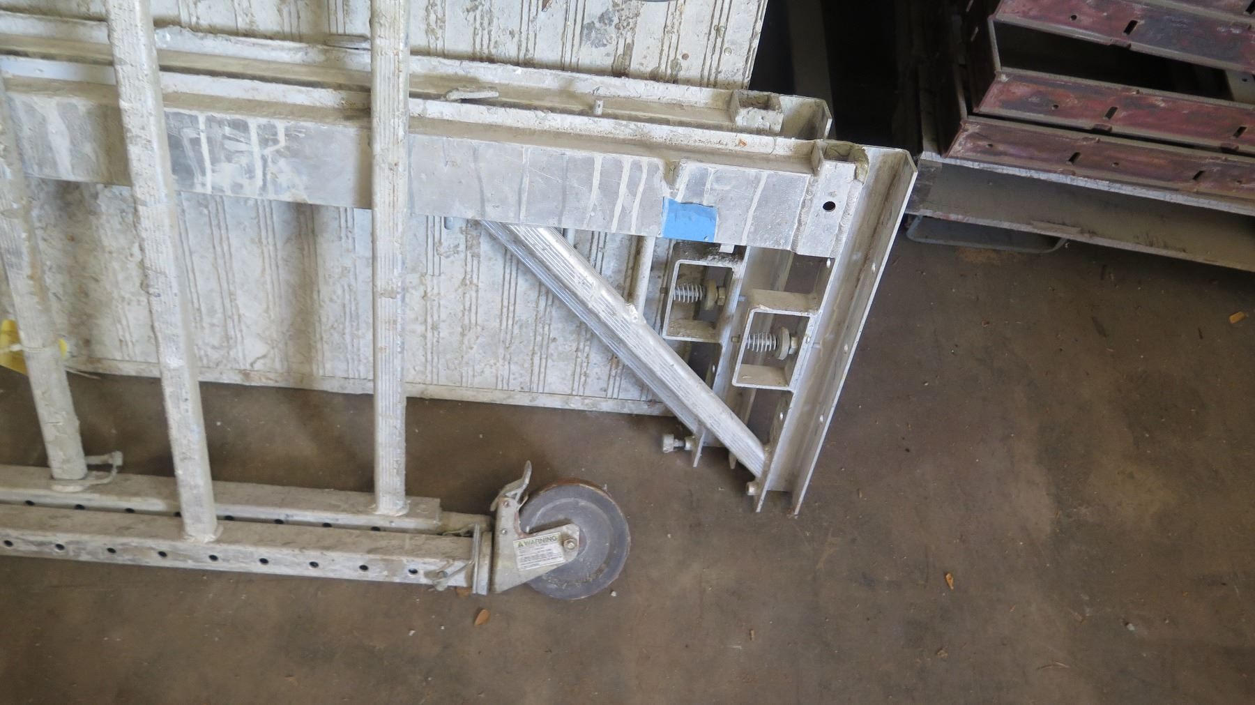 Portable Scaffolding With Wheels : Portable aluminum scaffolding on wheels oahu auctions