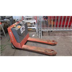Toyota Electronic Pallet Jack model 7HBW23 (powers up, unable to operate, shows error E115)
