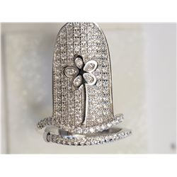#41-STRELING SILVER CUBIC ZIRCONIA FLOWER