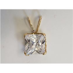 #42-10KT YELLOW GOLD CUBIC ZIRCONIA PENDANT
