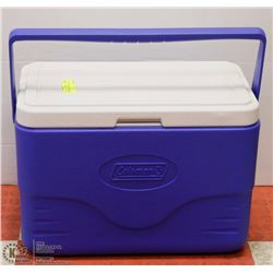 MEDIUM SIZE COLEMAN COOLER - BLUE &