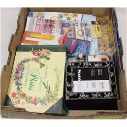 FLAT OF SCRAPBOOKING AND ALBUMS