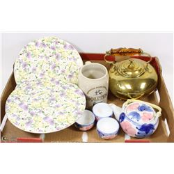FLAT WITH TWO TEA POTS AND DECORATIVE PIE PLATES