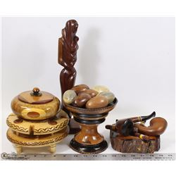 FLAT OF DECORATIVE WOOD ITEMS