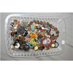 Tray lot of gemstone and jewellery making beads including pink quartz, nephrite, turquoise, plus car
