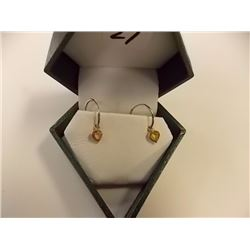 EARRINGS - 1.2CTW HEART FACETED SAPPHIRE IN 14K YELLOW GOLD SETTING - INCLUDES CERTIFICATE $800