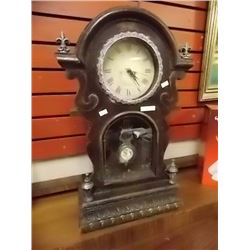 VINTAGE STYLE ORNATE MANTEL CHIME CLOCK