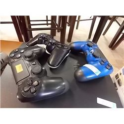 SONY GAME CONTROLERS - 3 TTL - PS