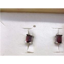 EARRINGS - NEW EMERALD FACETED GARNET IN STERLING SILVER STUD DESIGNED SETTING - RETAIL ESTIMATE $27