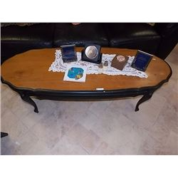 OVAL RETRO COFFEE TABLE