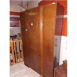 VINTAGE OAK WARDROBE CUPBOARD WITH KEY
