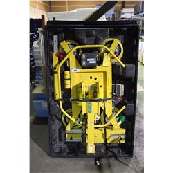 2014 WOODS POWR-GRIP 1100 LB CAPACITY QUADRA LIFT ROTATOR VACUUM LIFTER