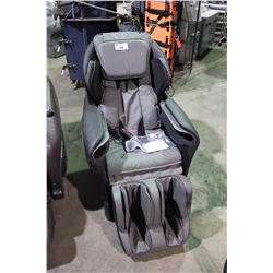 TITAN TP-8400 FULL BODY ZERO GRAVITY MASSAGE CHAIR