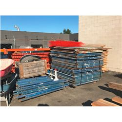 LARGE LOT OF SCAFFOLDING INCLUDING: APPROX. 40 UPRIGHTS & BIN OF CROSSBARS (BIN NOT INCLUDED)