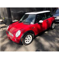 2003 MINI COOPER RED 2 DOOR VIN #WMWRC33463TE18015, 167,819KM'S  AUTOMATIC, GAS, RD,CD,PW,PL,TW,AC,