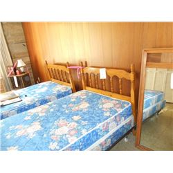 Twin Beds, Bedding Included, Like-New