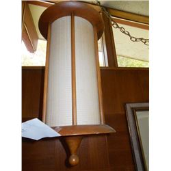 VINTAGE HANGING LIGHT / LIKE NEW CONDITION