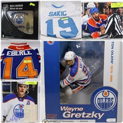 FEATURED ITEMS: SPORTS COLLECTIBLES!