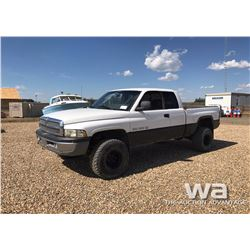 1999 DODGE RAM CLUB CAB P/U