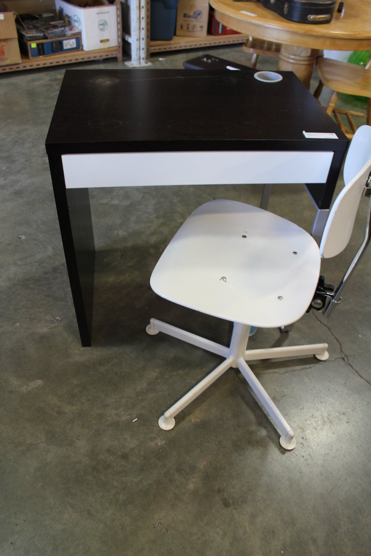 Image 1 Small Modern Desk And White Office Chair