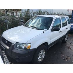2006 FORD ESCAPE, WHITE, 2.7L, GAS, AUTOMATIC, VIN#1FMYU92Z76KA59384, 122,251KMS,