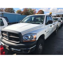 2006 DODGE RAM 2500, WHITE, 4 DOOR PICK UP, GAS, AUTOMATIC, 5.7L V6, VIN #3D7KS28D16G205424,