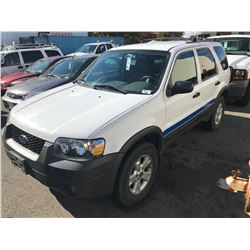 2005 FORD ESCAPE XLT, WHITE, 4 DOOR SUV, 3.0L, GAS, AUTOMATIC, VIN#1FMYU93125KB91928, 119,496KMS,
