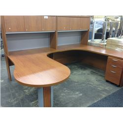 LIGHT CHERRY 9' 6' U-SHAPE EXECUTIVE DESK WITH HUTCH AND MOBILE PEDESTAL