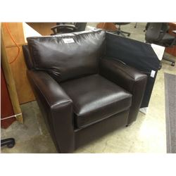 BROWN LEATHER CLUB STYLE RECEPTION CHAIR