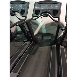 LIFE FITNESS 9500HR FLEX DECK TREADMILL (ONE LEG NEEDS REPAIR)