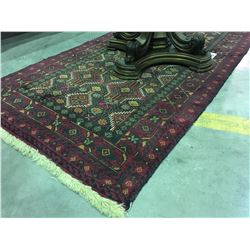 HAND KNOTTED PERSIAN AREA RUG APPROX 4' X 7'