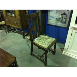 EARLY 1900'S OAK SIDE CHAIR WITH CHINTZ FLORAL SEAT CUSHION
