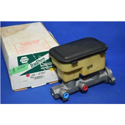 New Napa inventory master cylinder #102757 (retails $200.00) fits GMC and Chevrolet vans 2550, 3500,